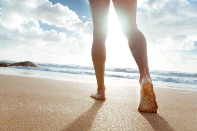 andar en la playa. entrenar en la playa